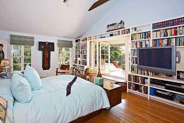 Awesome-Bedroom-with-Book-Storage-for-Traditional-House-Design